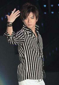 「アイドルらしくない」と指摘される加藤シゲアキ、先輩後輩にもなじめない!?