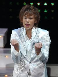 ジャニタレが続々と観劇! 錦織一清の舞台に、Kis-My-Ft2千賀健永も感動