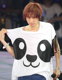 V6坂本昌行、「健くんはかわいい。世界の健だぜ」と三宅健をベタ褒め